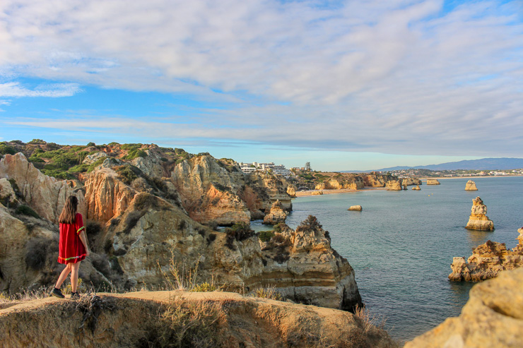 Sunset Cliff Lagos The Ultimate Guide to Algarve - Travel guide, backpacking suggestions, low budget travel tips and Itinerary suggestion
