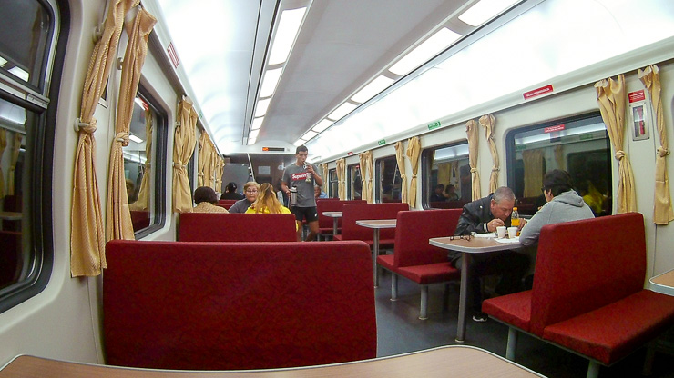 restaurant taking local train in argentina, train from tucuman to Buenos Aires